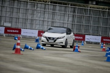 แข่งรถจิมทาน่า